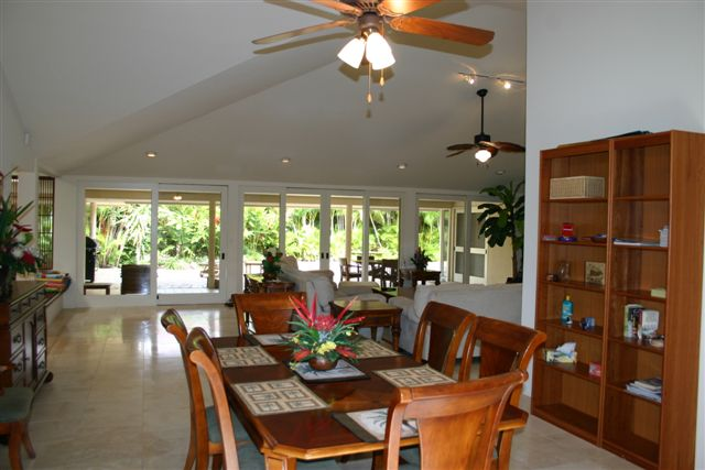 Dining Room in Kahala vacation rental