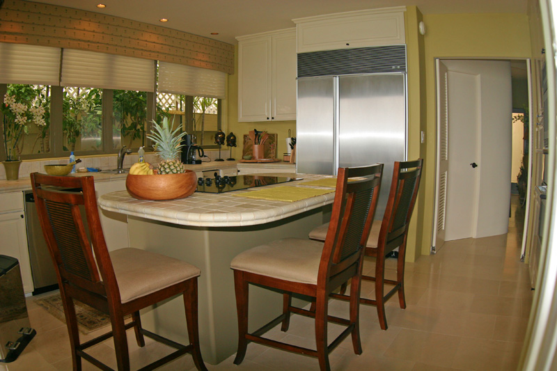 2nd View of kitchen in Diamond Head vacation rental