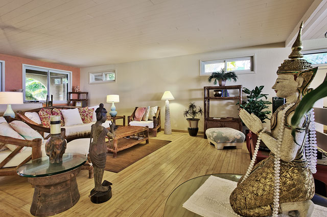 Large living room in Lanikai beachfront house