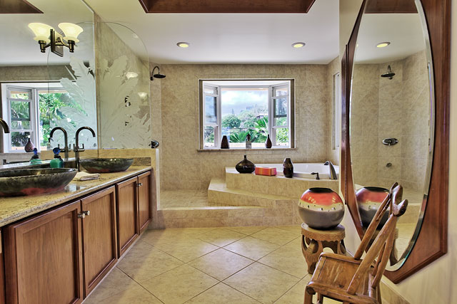 Gracious Master Bath with deep spa tub Lanikai Rental Sweet Lanikai