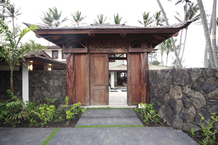 Front entry to home in Laie