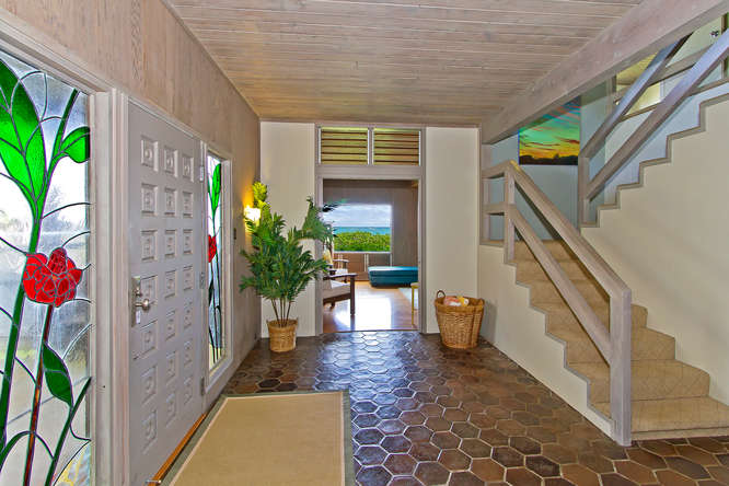 Entryway and stairs in Lanikai beachfront rental
