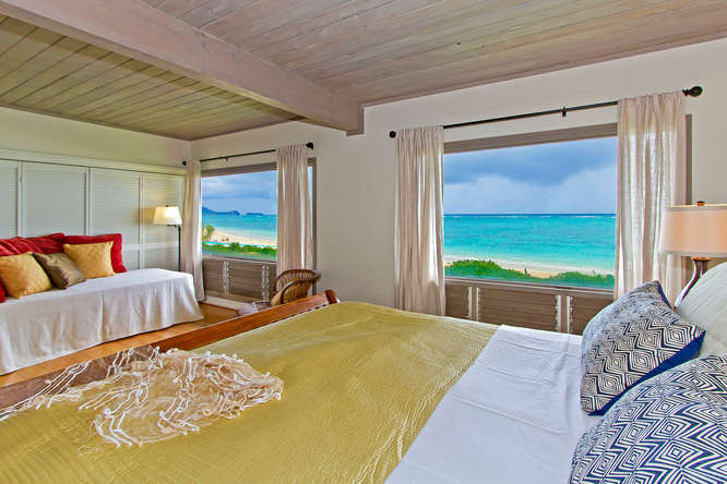 Enjoy the fabulous sunrise from the king bed at White Sandy Beach - Lanikai Beach Rentals